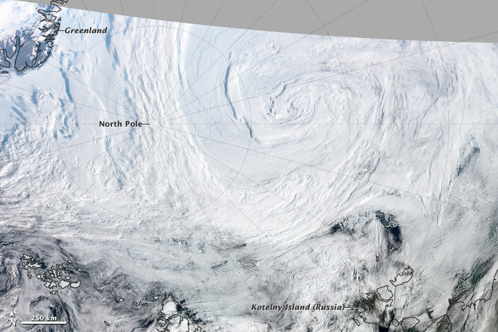 Summer Cyclone over the Arctic on 07 August 2012