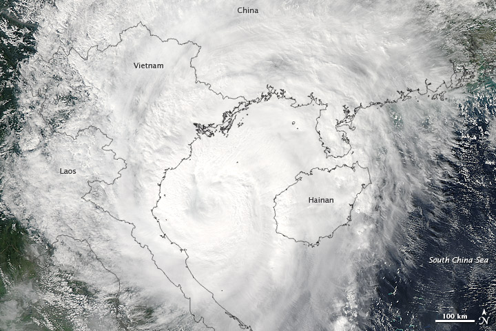 Typhoon Son-Tinh lashed Vietnam on 28 October 2012