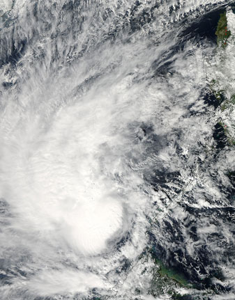 Tropical Storm Sonamu lashed the Philippines on 04 January 2013