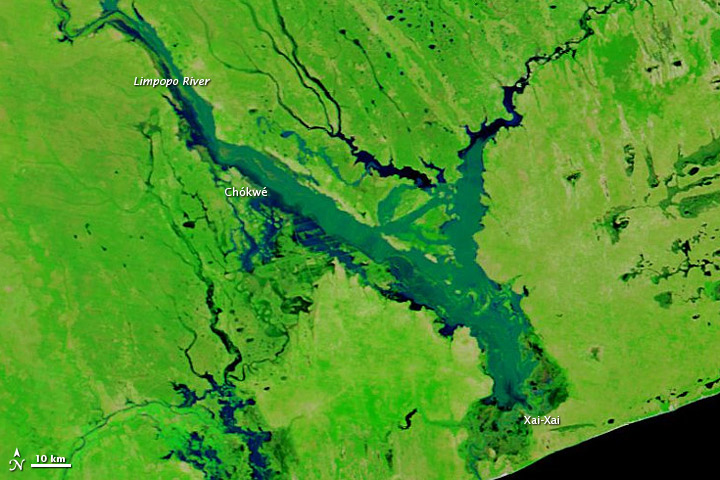 Flooding of Limpopo River in Mozambique on 25 January 2013
